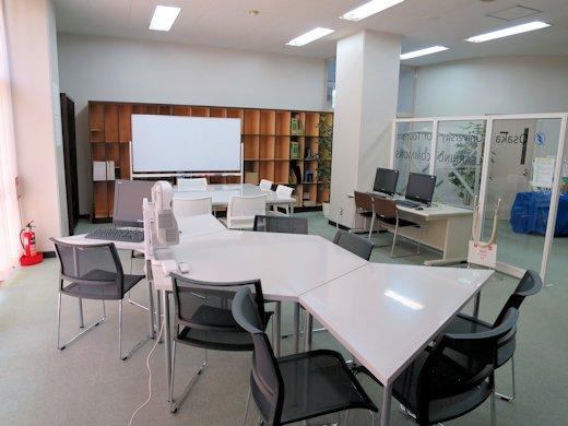 大阪観光大学図書館ラーニングコモンズ