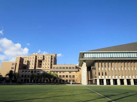 「阪南大学におけるオリジナル・グッズを開発する」という課題解決型学習を実施